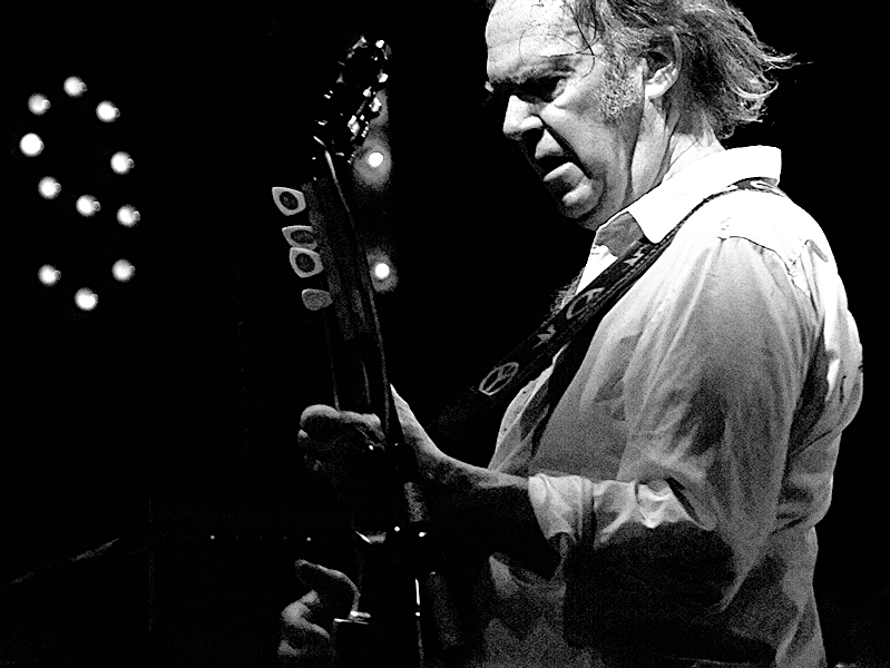 Neil Young releasing new car-themed book this fall
