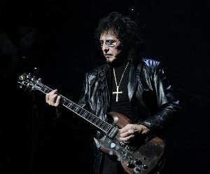 Black Sabbath Guitarist Gives Positive Update On Cancer Treatment