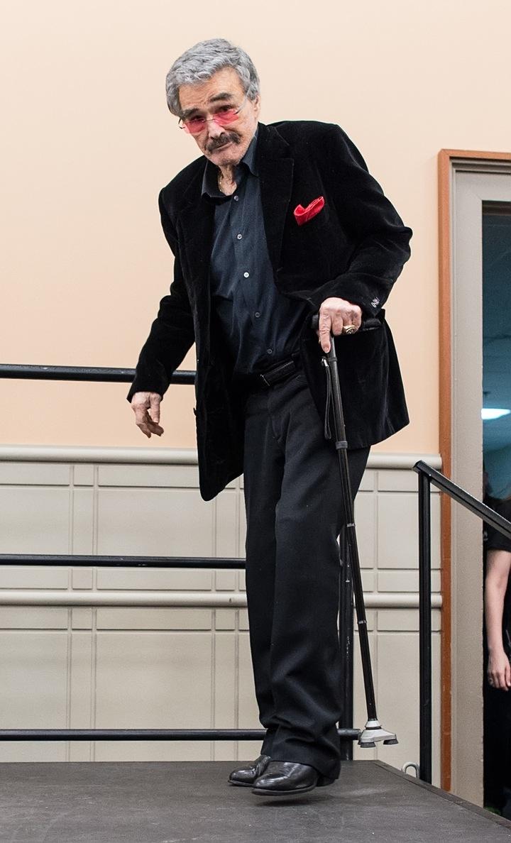 Burt Reynolds steps out and shocks fans.