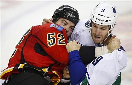 Canucks kick off season with dominate road win!