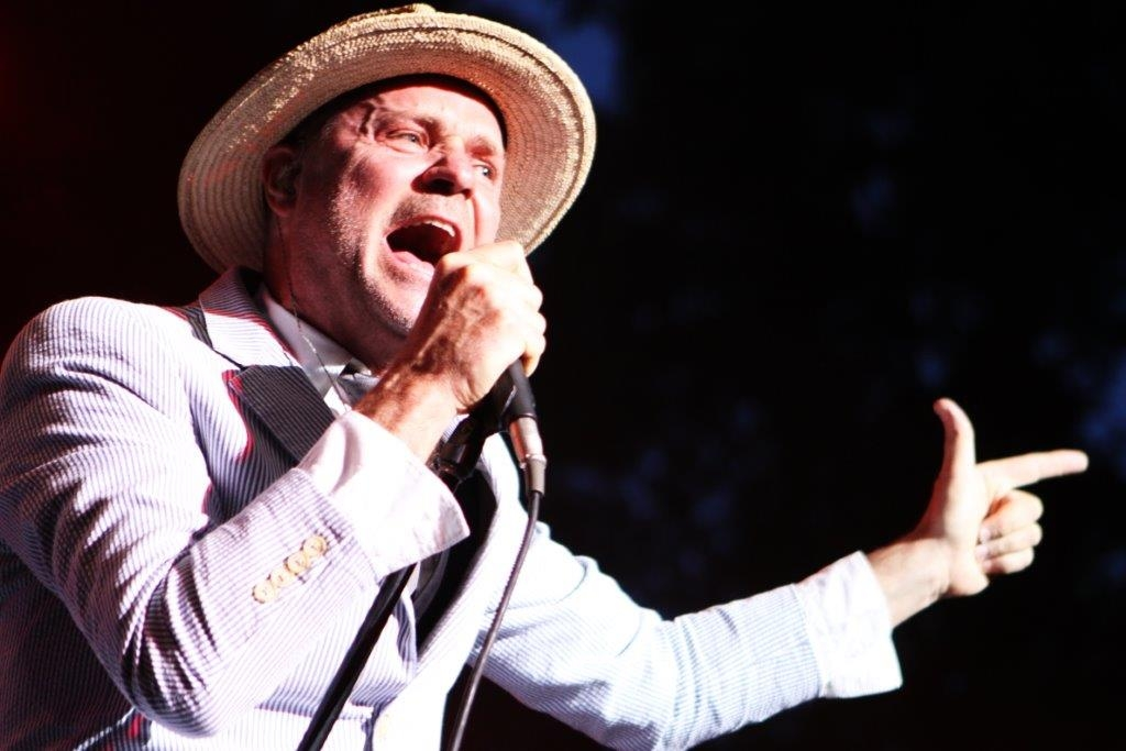 Tragically Hip's Gord Downie has terminal brain cancer, band to tour once more
