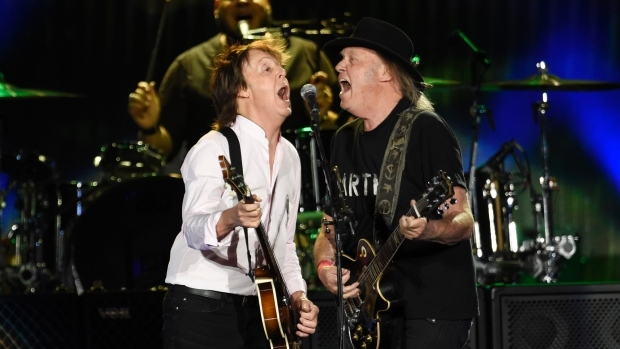 Paul McCartney and Neil Young take the stage together at Desert Trip