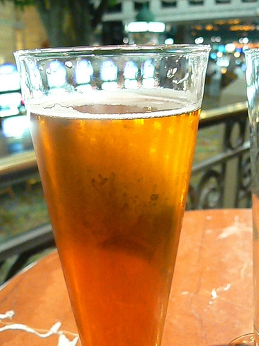 New Law Will Allow Public Colleges in Illinois to Sell Alcohol