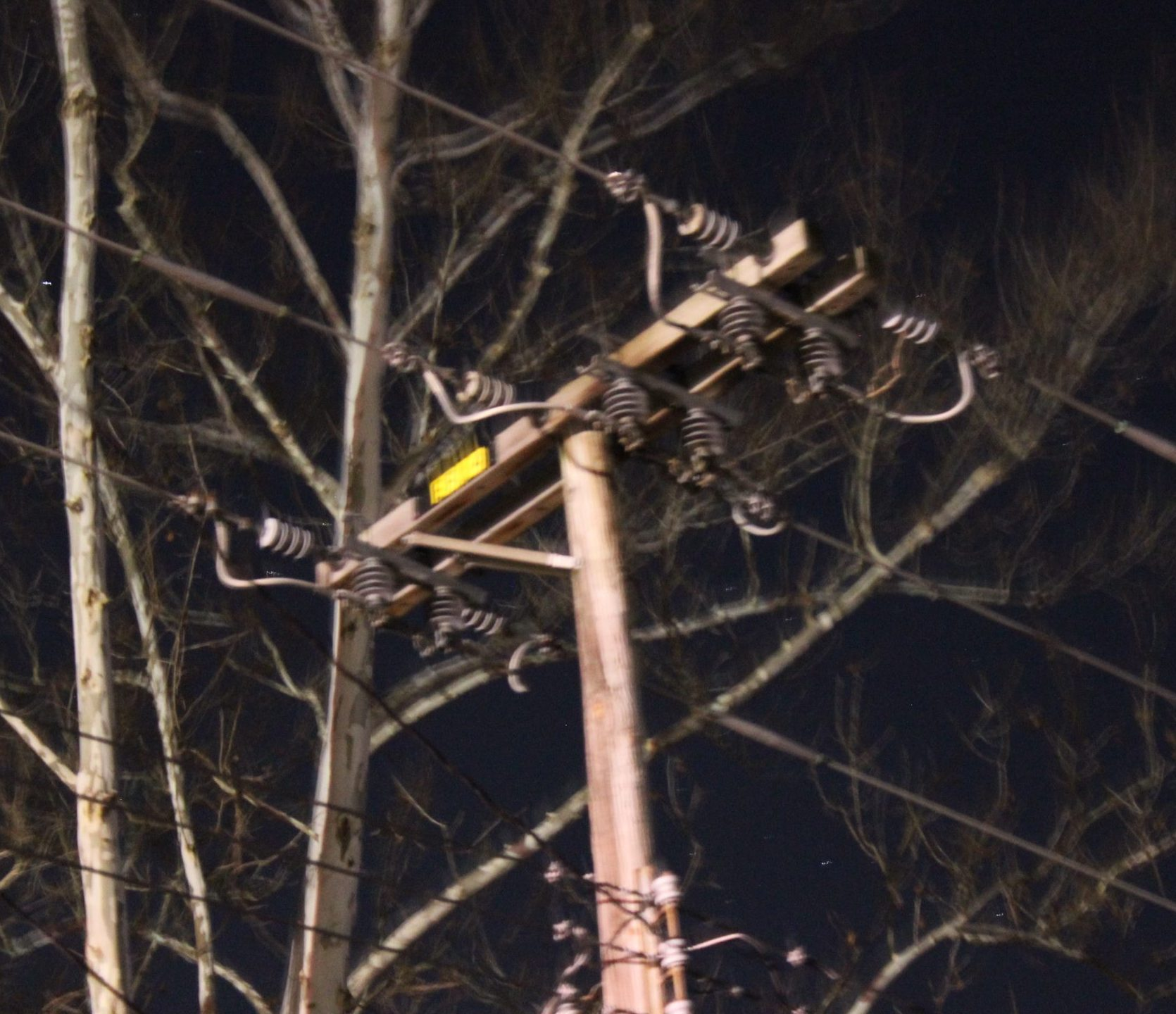 Wind Causes Transformer Flare-up in Effingham