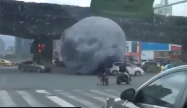 Huge rock rolled the streets of the town and scared people