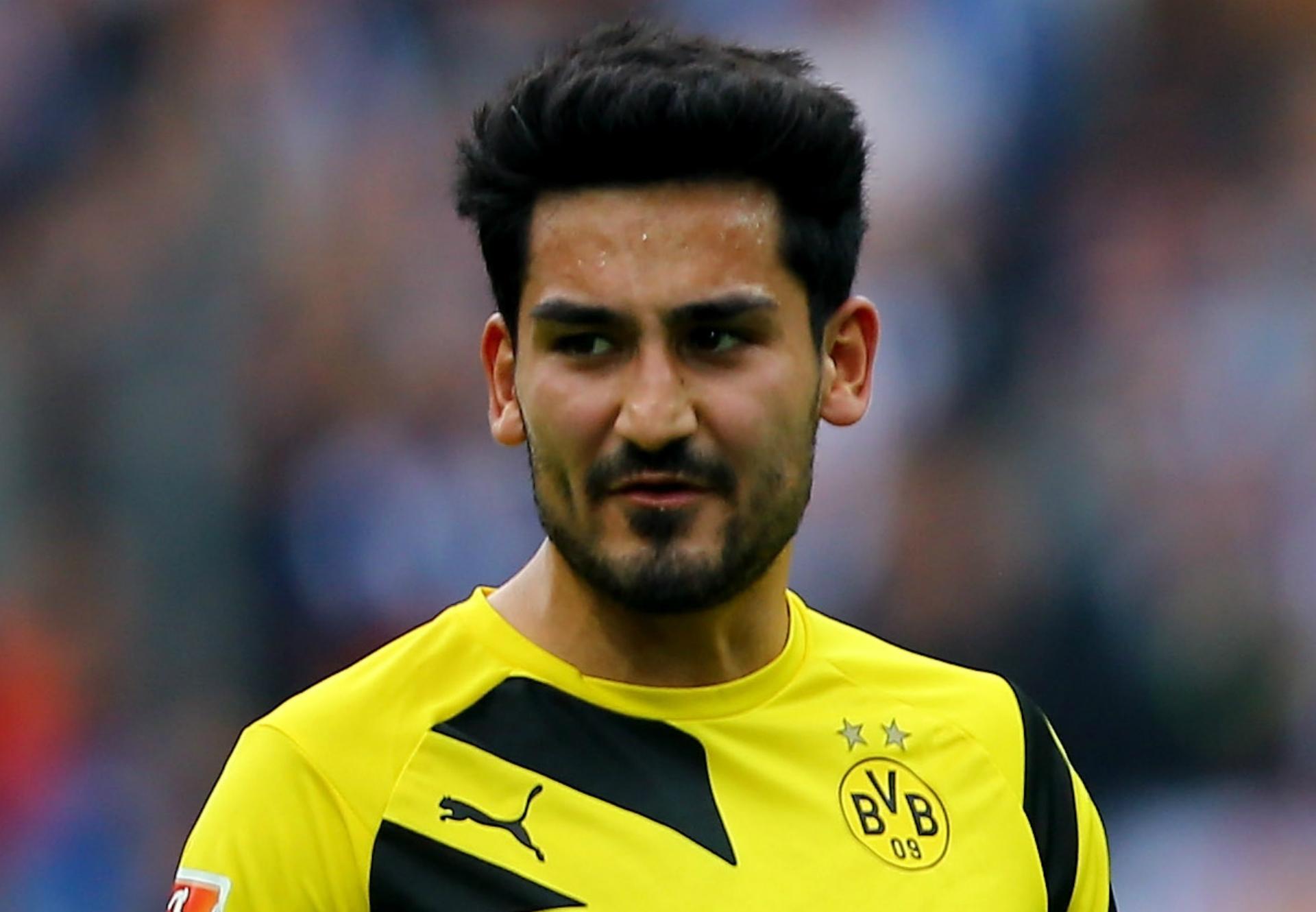 Man City sign Ilkay Gundogan from Borussia Dortmund