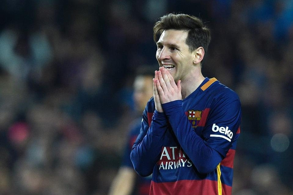 Messi decides against signing new Barcelona deal
