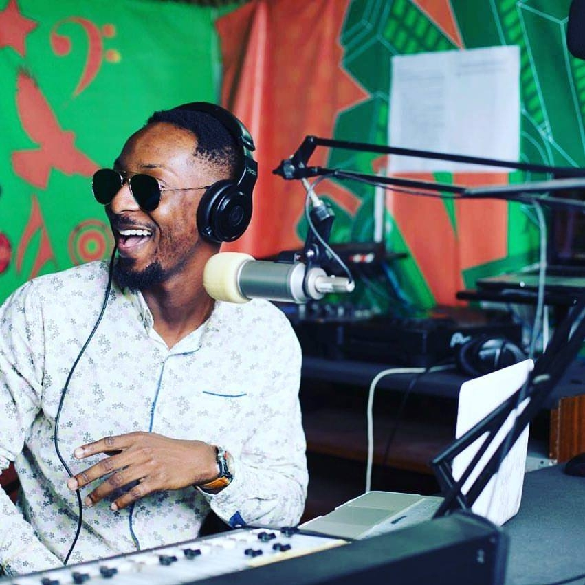 YFM's Rev Erskine wins overall best Male radio presenter at the UMB Ghana Tertiary Awards 2016