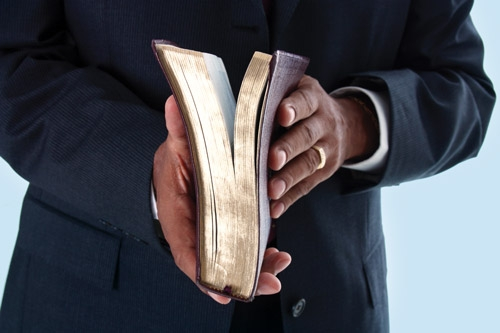 Pastor arrested for defiling and impregnating two sisters