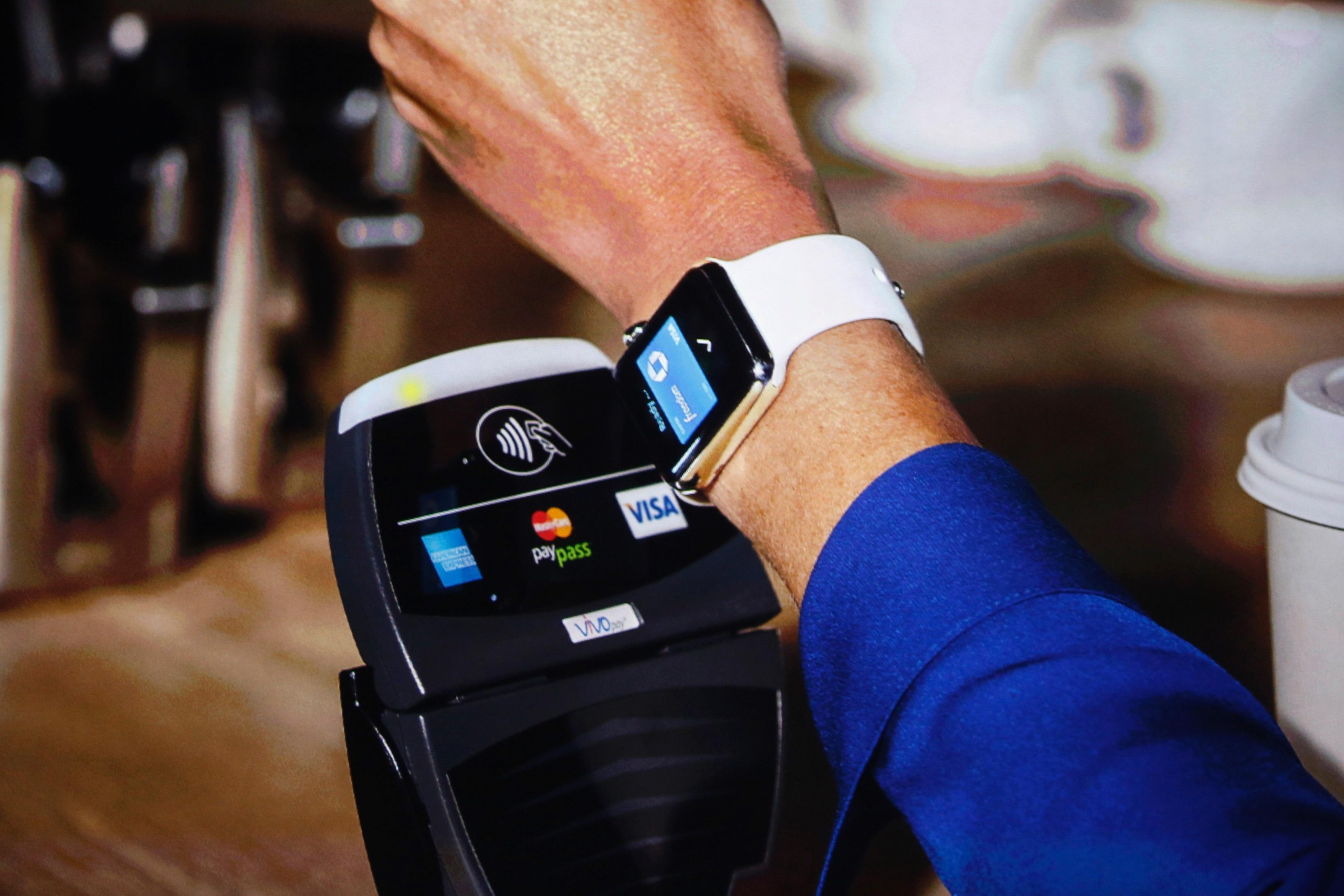Apple Pay comes to Canada! Trump isn't well liked, and pets in planes from Fort Mac.