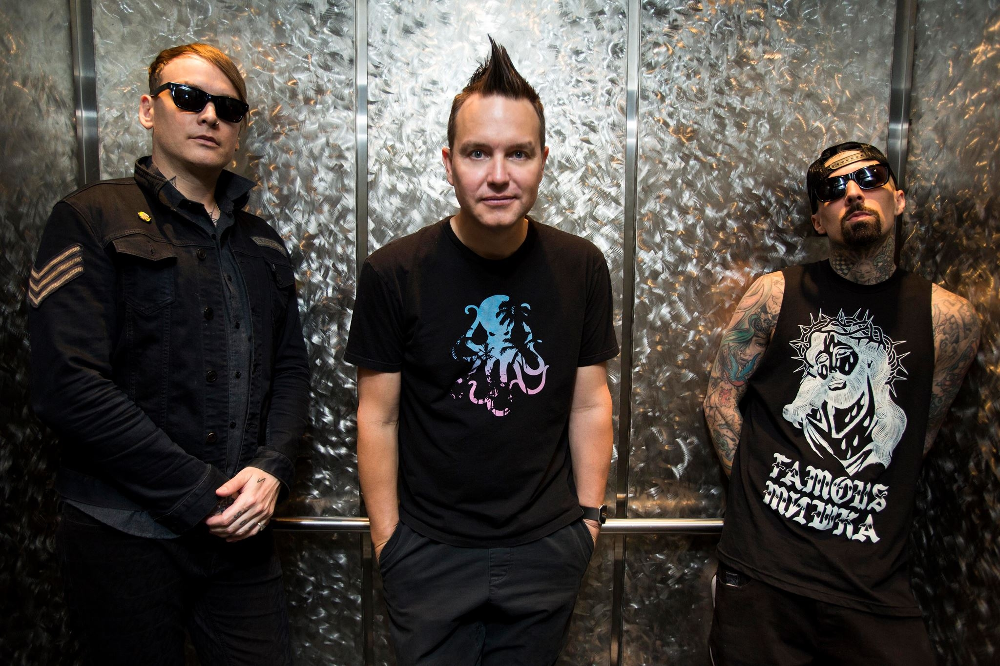 "blink-182 ""Bored To Death"" {video}"
